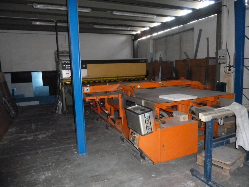 Bench for cutting line