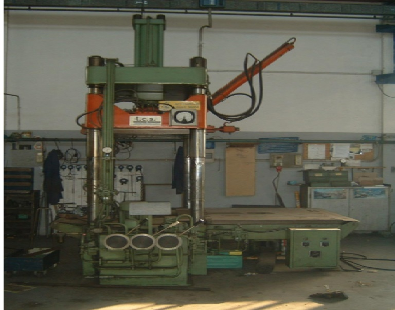 Test molds press TCS
