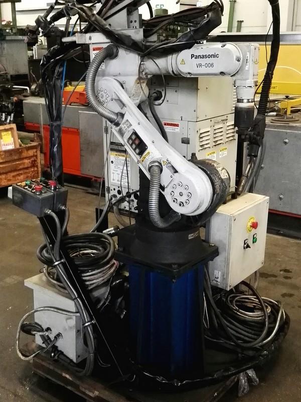 Welding robot PANASONIC