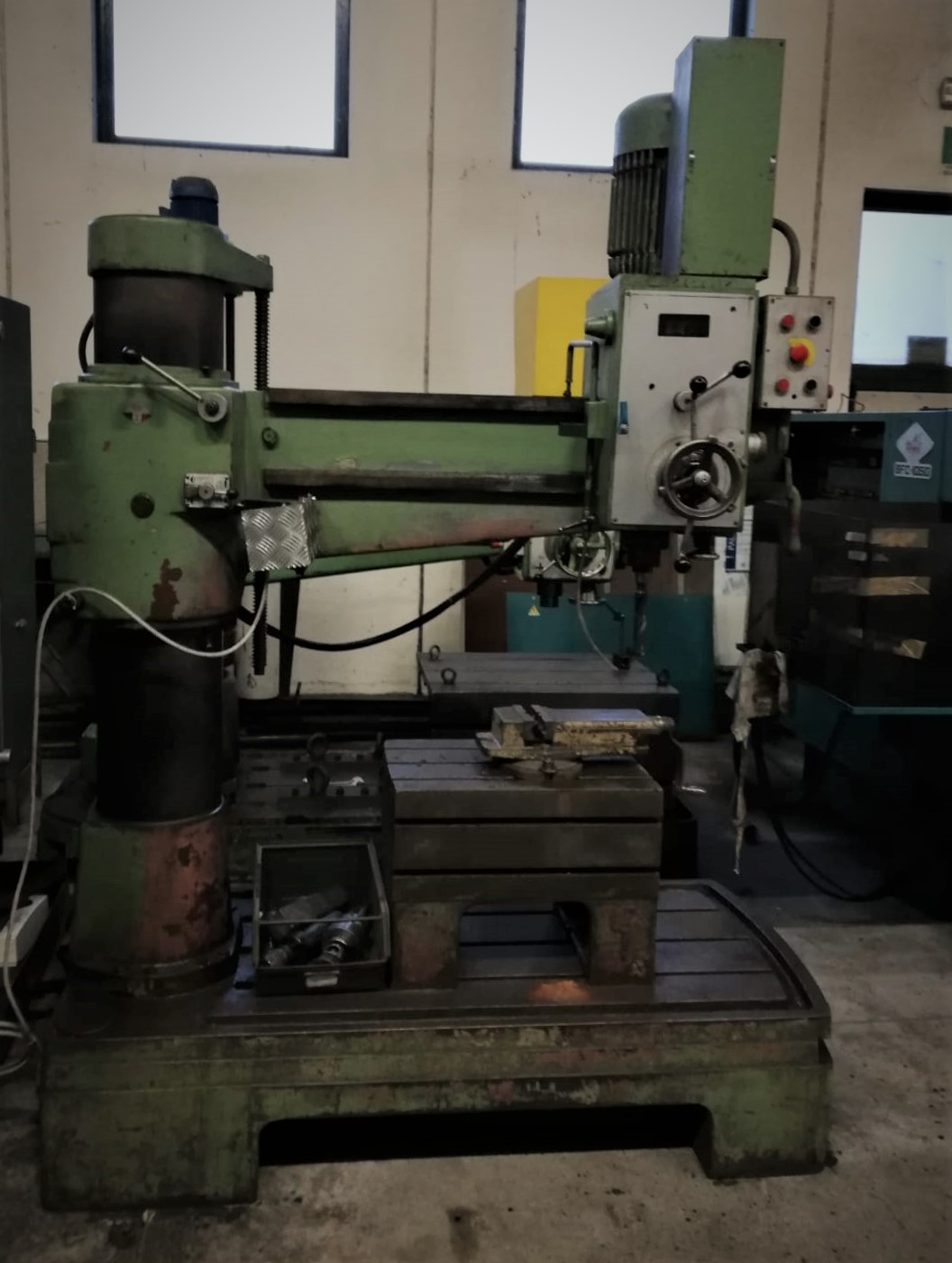 Radial drilling machine Mecof