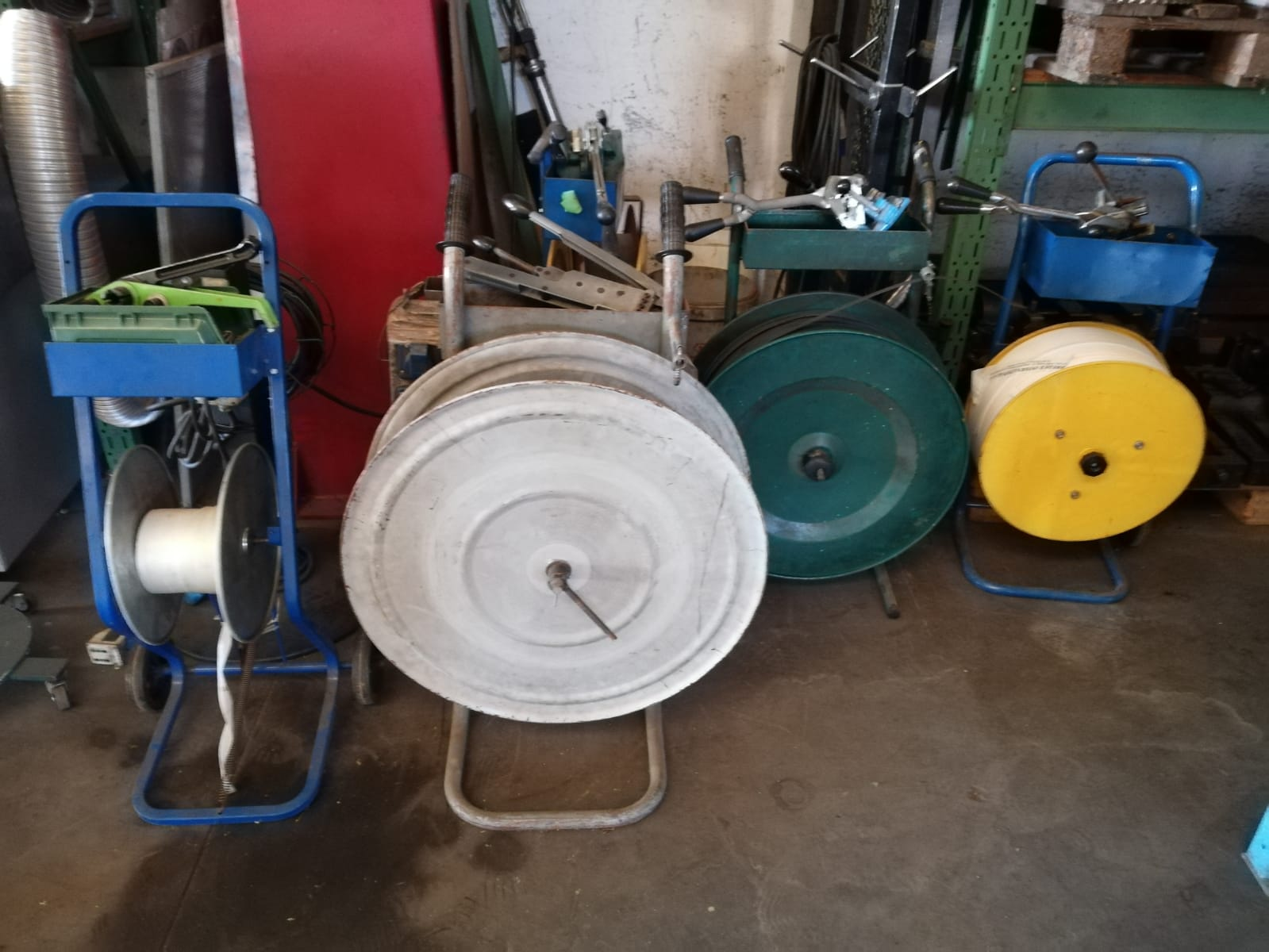 Various strapping machines